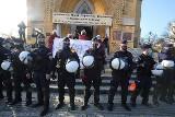 Awantura na mszy w katedrze w Łodzi. W niedzielę znów był protest przeciwko wyrokowi Trybunału Konstytucyjnego