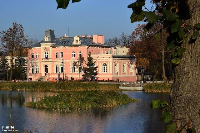 """Dawny hotel """"Zdrój Jadwigi"""", Trzebnica"""
