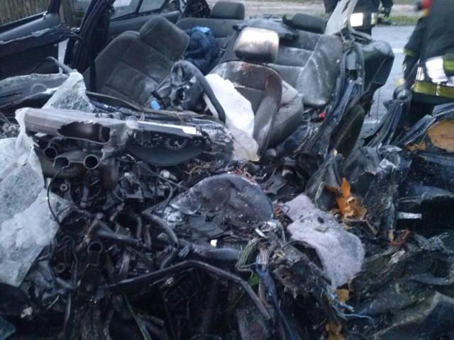 Trasa Poznań-Pniewy: Śmiertelny wypadek. Zderzyły się trzy samochody