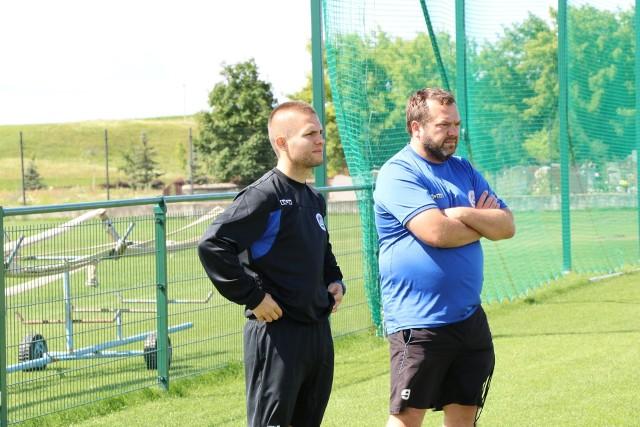 Dawid Szulczek (z lewej) już prowadził treningi Wigier.
