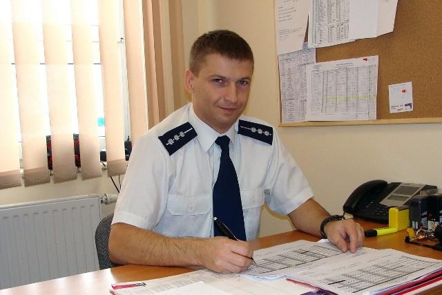 Aby zagłosować na st. asp. Adama Kubiaka wyślij SMS o treści POLICJANT.18 na numer 7155 (koszt 1.23 zł z VAT)