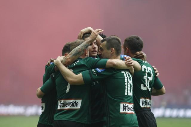 Legia Warszawa wygrała w finale Pucharu Polski po golach Jarosława Niezgody i Cafu.