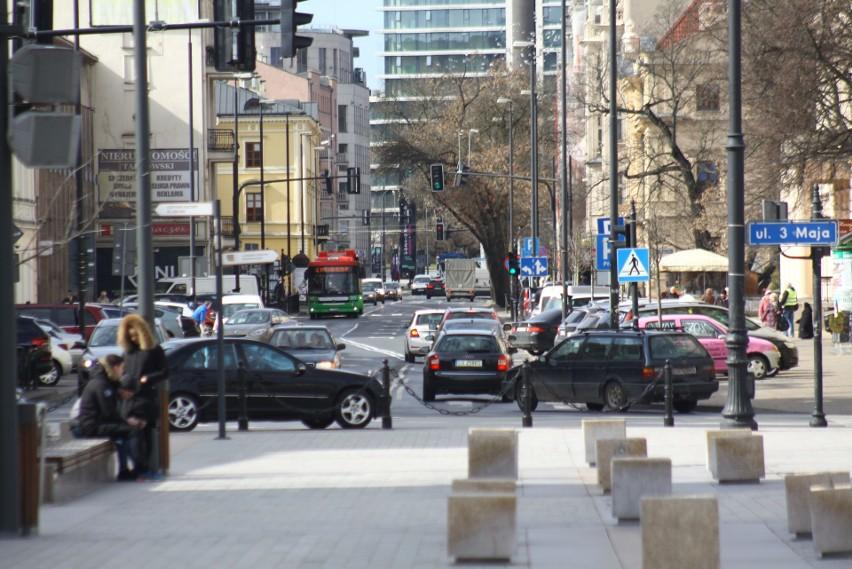 Jedno z miejsc typowanych na Aleję Sław to Krakowskie Przedmieście na odcinku od ul. 3 Maja do Al. Racławickich