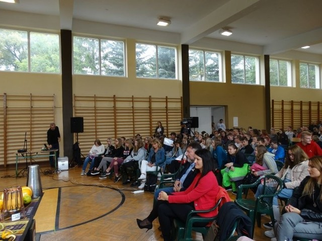 Zespół Szkół w Kowalewie Pomorskim zorganizował kolejną edycję Targów Pracy
