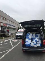 Koronawirus. Tysiąc kombinezonów i siedem tysięcy rękawiczek dla lekarzy i ratowników ze szpitala przy Szwajcarskiej przekazał Volkswagen