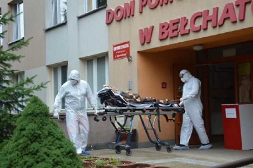 Wczoraj rozpoczęła się ewakuacja zakażonych pensjonariuszy DPS w Bełchatowie. Zakażenie wykryto także w DPS w Borówku w powiecie łowickim. Podobnie jest w całej Polsce, wiele samorządów znów prosi o wolontariuszy, maseczki i fartuchy. Czy wraz z drugą falą epidemii wrócą zakażenia w DPS-ach?CZYTAJ DALEJ NA KOLEJNYM SLAJDZIE