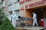 Wraca horror w DPS-ach? Kolejne zakażenia w domach opieki. Ewakuowano pensjonariuszy z Bełchatowa, zakażona mieszkanka DPS w Borówku