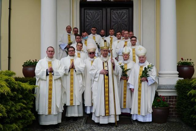 W sobotę, 22 maja 2021 roku, w katedrze poznańskiej odbyła się msza św., podczas której święcenia kapłańskie przyjęło sześciu kleryków. Wyświęceni księża otrzymali też dekrety kierujące na pierwsze parafie.