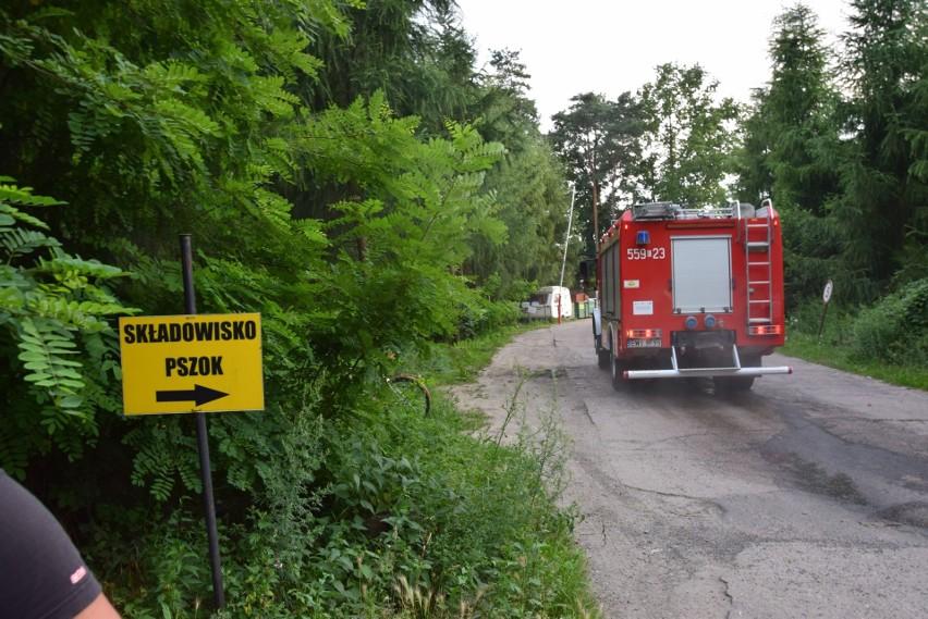 Pożar na składowisku odpadów w Rudzie koło Wielunia ZDJĘCIA