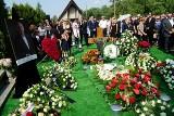 Pogrzeb Jerzego Wiśniewskiego, prezesa firm PBG i RAFAKO. Mecenasa poznańskiego sportu i kultury pochowano w Przeźmierowie [ZDJĘCIA]