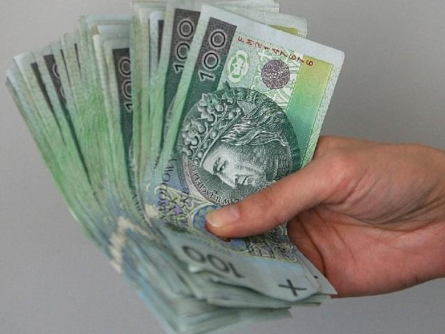 Straż miejska znalazła dużą sumę pieniędzy. Odbiór przy ulicy Suraskiej.