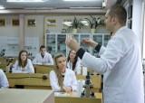 Uczniowie poznawali tajemnice biologii