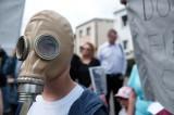 Dąbrowa: Wytwórnia mas bitumicznych jednak oddziałuje na środowisko? Mieszkańcy skarżą się na uciążliwy fetor