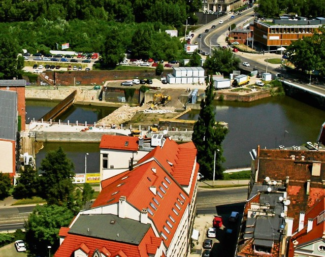 Bulwar przy moście Pomorskim był chętnie odwiedzany przez wrocławian. Teraz trwa tam przebudowa jazu Wrocław I oraz renowacja zabytkowych, 200-letnich bulwarów Odry Śródmiejskiej
