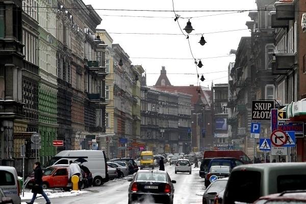 Mieszkania komunalne w SzczecinieW szczecińskich mieszkaniach komunalnych żyje ponad 60 tysięcy osób.