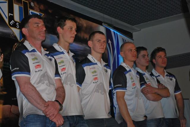 Drużyna Unii Leszno podczas oficjalnej prezentacji zespołu, która odbyła się w Galerii Leszno