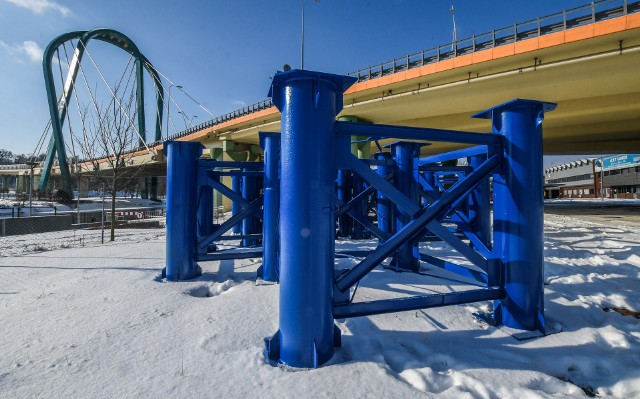 W pierwszym etapie prac firma zabezpieczy wiadukt stalowymi podporami.