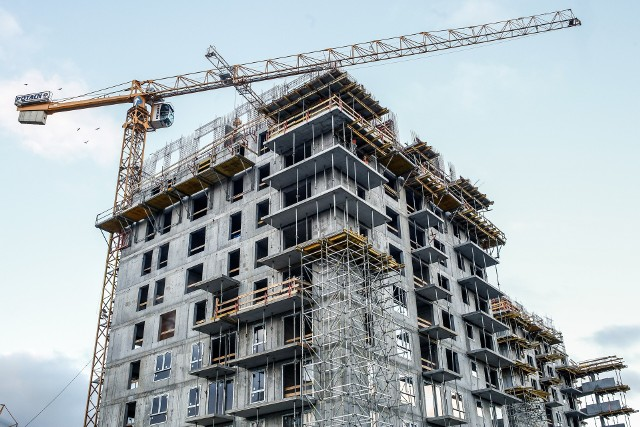 Obecnie w budowie w ramach programu Mieszkanie Plus znajduje się ponad 1200 mieszkań, a 10 tys. jest w przygotowaniu.