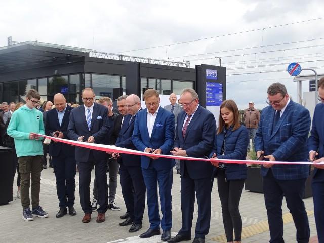 Oficjalnie otwarto nowy zintegrowany węzeł przesiadkowy w gminie Buk