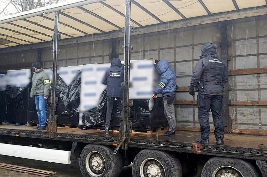 Przemyt wart 5 mln zł. Służby przejęły 6,4 mln papierosów