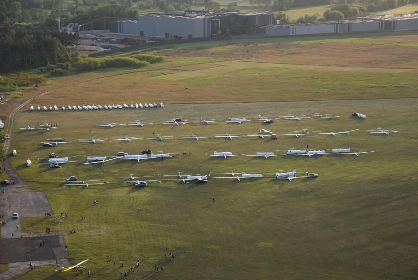 Zdjęcia z góry na lotnisko w Lisich Katach dzięki...