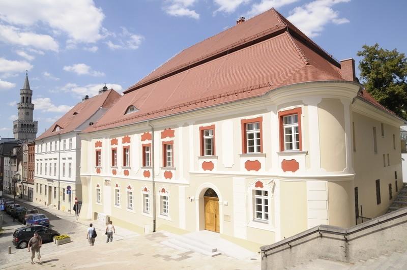 Muzeum Śląska Opolskiego w Opolu zostalo wyremontowane i rozbudowane. Dla zwiedzających bedzie otwarte jesienią.