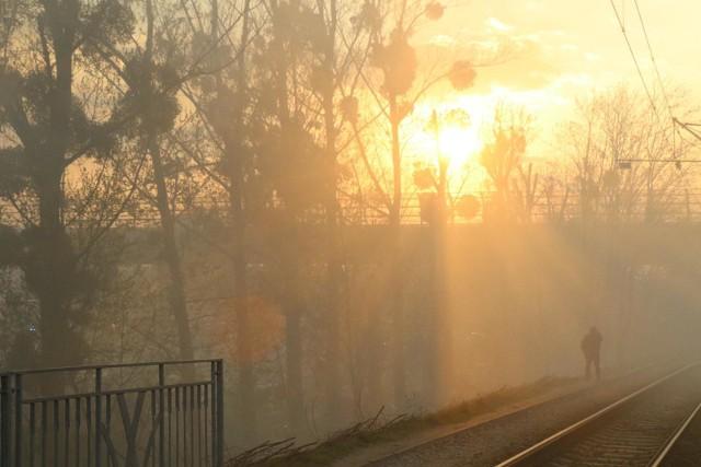 Smog 18.03.2020: W Śląskiem normy pyłów zawieszonych przekroczone o setki procent.Zobacz kolejne zdjęcia. Przesuwaj zdjęcia w prawo - naciśnij strzałkę lub przycisk NASTĘPNE