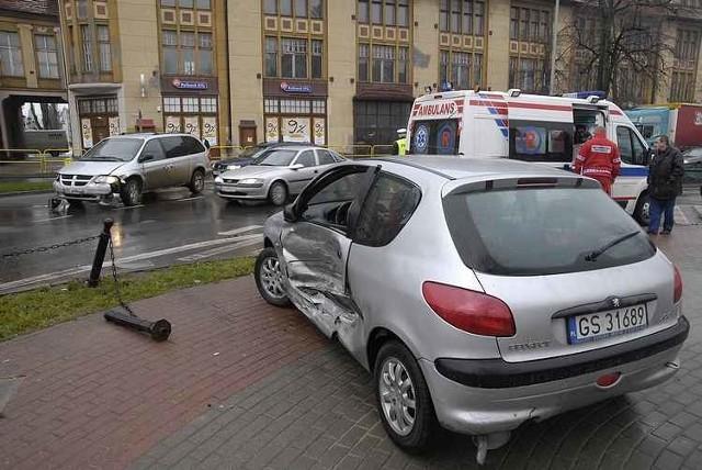 Na skrzyzowaniu ulic Anny Lajming i Tuwima doszlo do groLnej kolizji.