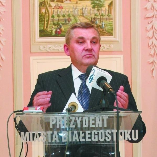 Mnie się logo podoba - mówi prezydent Tadeusz Truskolaski. W piątek zwołał w trybie pilnym konferencję prasową, by pochwalić się wynikami ekspertyz specjalistów w sprawie słoneczka.
