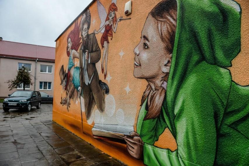 Mural znajduje się w gdańskiej dzielnicy Przeróbka