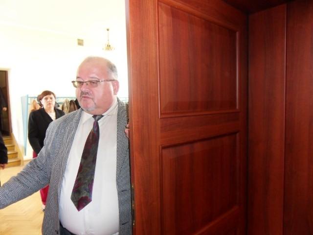 - To stopniowa likwidacja tych świadczeń - mówi prezes szpitala Stanisław Plewako