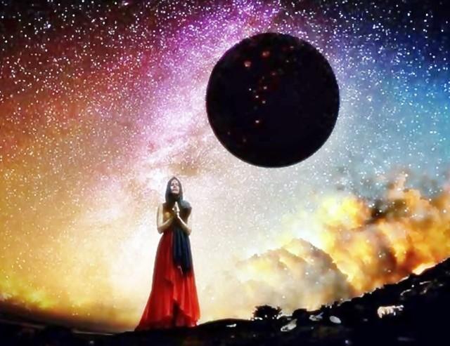 Sprawdź horoskop na lipiec i przekonaj się, jak bardzo gorący będzie to miesiąc dla znaków zodiaku.Lipiec będzie przyjaznym miesiącem dla zawierania nowych znajomości - wynika z horoskopu wróżki Lorelei. W przypadku Wag może się zrodzić uczucie, na które długo czekały. Dla Koziorożców to będzie miesiąc stabilizacji. Gwiazdy będą przyjazne dla znaków ustatkowanych, którzy myślą poważnie o partnerze. Znaki zodiaku nie powinny zapominać też o tym, by znaleźć czas na odpoczynek, nawet błogie lenistwo, któremu sprzyjać będzie wakacyjna aura. Zobacz kolejne zdjęcia z horoskopem dla konkretnych znaków zodiaku. Przesuwaj zdjęcia w prawo - naciśnij strzałkę lub przycisk NASTĘPNE