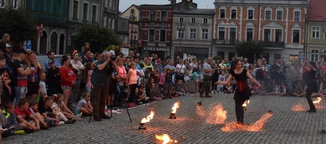 Fireshow Teatru Arta Foc z Torunia i Grupy HiFly w Golubiu-Dobrzyniu