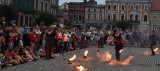 Fireshow Teatru Arta Foc z Torunia i Grupy HiFly w Golubiu-Dobrzyniu. Zobacz zdjęcia
