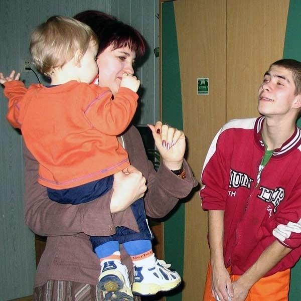 """Dyr. Małgorzata Grabowska stara się żeby wszystkich wychowanków """"Hanki"""" łączyły serdeczne relacje."""