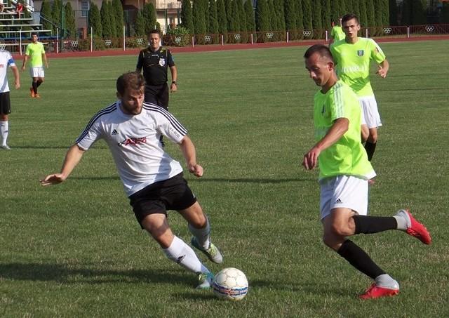 MKS Kańczuga (biało-zielone stroje) nowy sezon zaczęła od wysokiego zwycięstwa na wyjeździe.