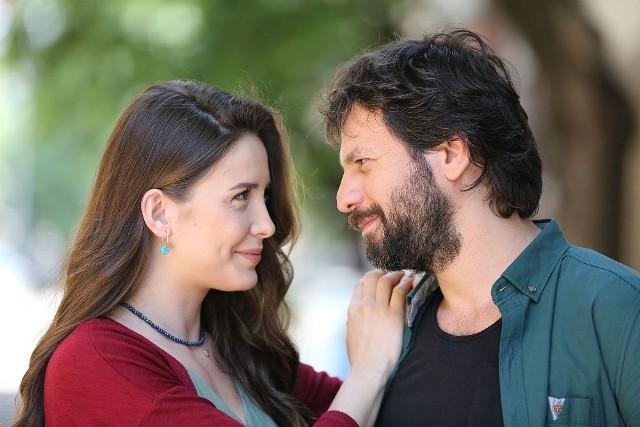 Elif odc. 780. Rana chce spotkać się z żoną kochanka. Streszczenie odcinka [28.07.2020]