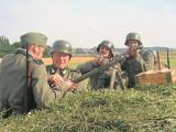 Hitlerowskie mundury dostępne od ręki. Każdy może mieć mundur SS [wideo]