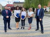 Najlepsze absolwentki LO w Psarach otrzymały gratulacje od władz Woźnik