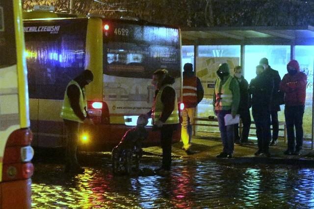 Do śmiertelnego wypadku doszło w poniedziałek 1 lutego 2021 na pętli MPK przy ul. Mickiewicza we Wrocławiu