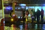 Wizja lokalna na pętli przy ul. Mickiewicza we Wrocławiu. Policja odtwarzała przebieg śmiertelnego wypadku [ZDJĘCIA]