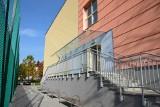 Szkoła na Muchoborze Wielkim rozbudowana. Są nowe sale, hala sportowa i boisko