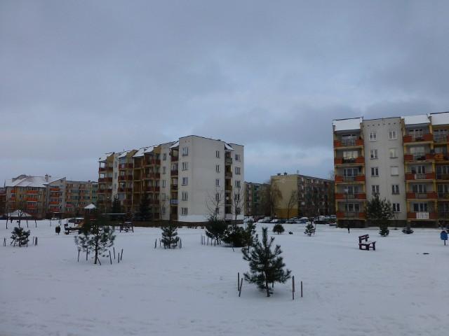 Bloki mieszkalne2012 rok przyniósł rekordowe od pięciu lat obniżki cen mieszkań używanych.