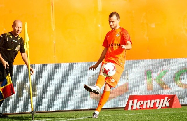 Pomocnik KGHM Zagłębia, Filip Starzyński dobrymi występami w obecnym sezonie zapracował na powrót do reprezentacji Polski.