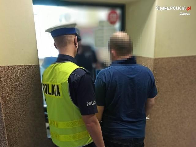 Policjant po służbie zatrzymał pijanego kierowcę Zobacz kolejne zdjęcia. Przesuwaj zdjęcia w prawo - naciśnij strzałkę lub przycisk NASTĘPNE