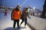 Otwarcie lodowiska na rynku w Katowicach już 4 grudnia. Na miejską ślizgawkę wejdziemy bez maseczki?