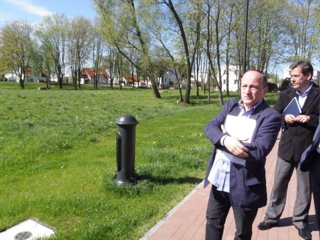 Jacek Domozych uważa, że nie będzie kolizji pomiędzy terenem dla miłośników ewolucji na deskach i rowerach a właścicielami psów