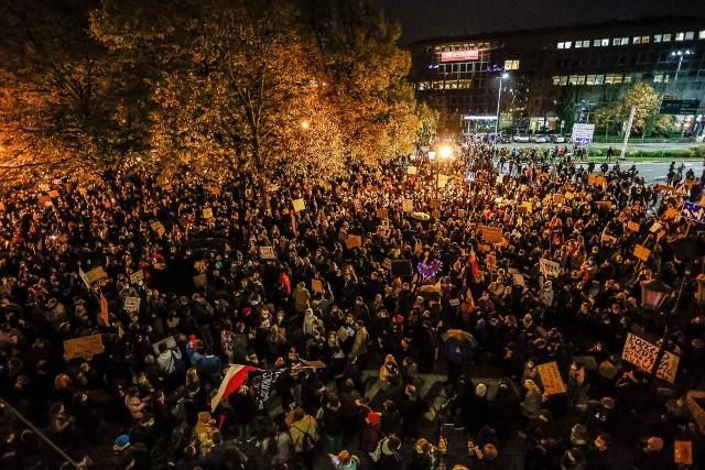 W roku 2020 nie brakowało protestów ulicznych. Najostrzej było w ostatnich miesiącach roku