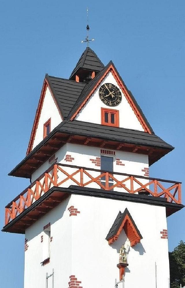 Nowa wieża zegarowo-hejnałowa w Opatowcu prezentuje się bardzo okazale.
