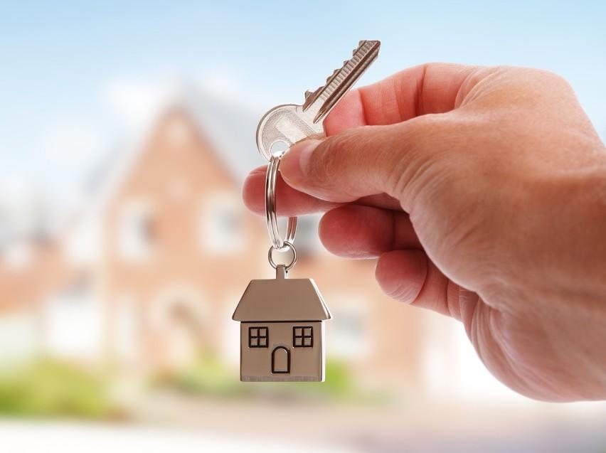 Mieszkania na wynajem wciąż dają atrakcyjne stopy zwrotu. Ile wynoszą czynsze najmu? Ile można zarobić na wynajmie? Jakie nieruchomości?